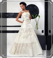 продаю элитное свадебное платье с вышевкой ручной работы